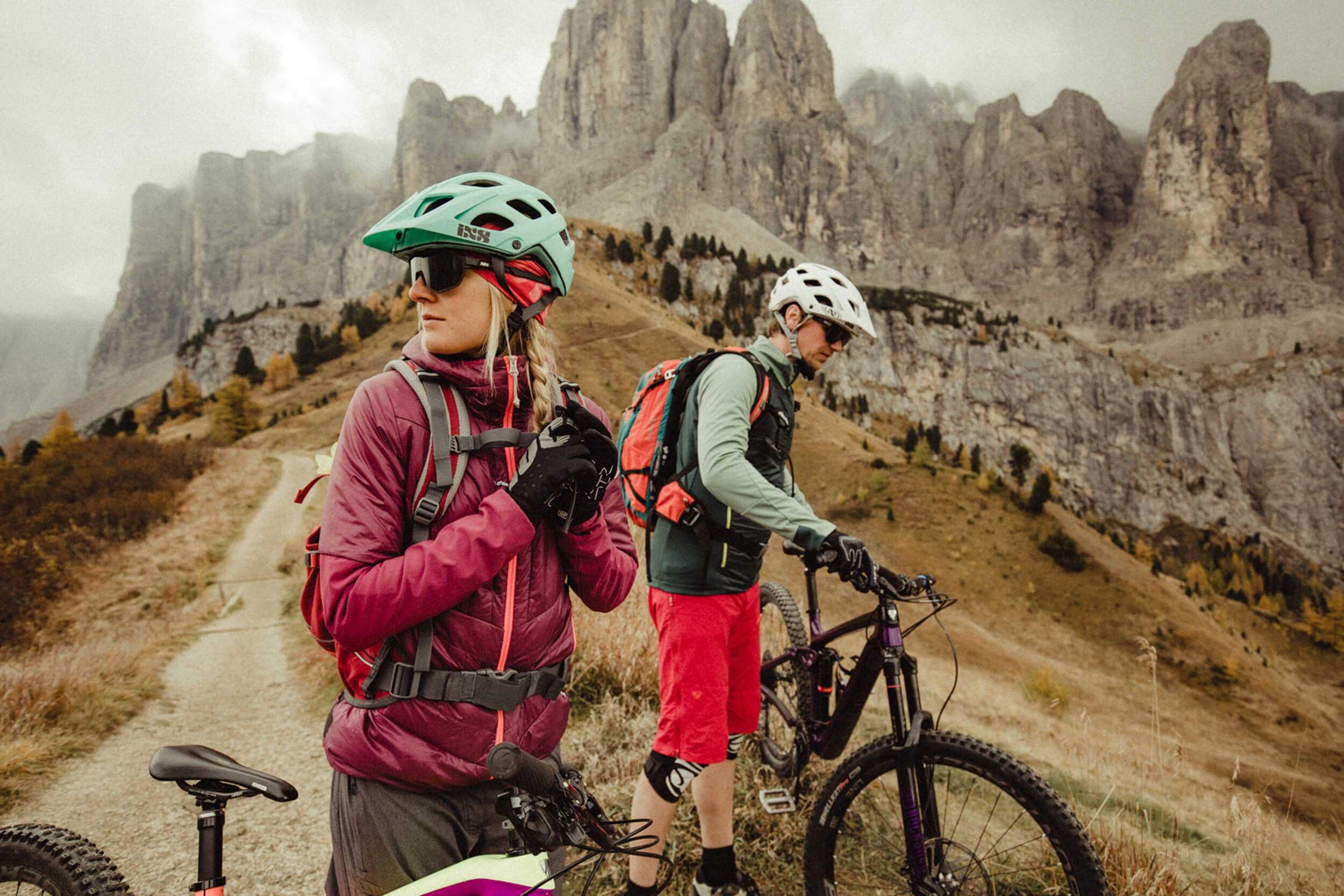 kurzer Biker-Stop beim Cir Trail © WOM Medien